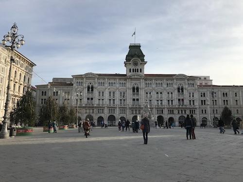 piazza1.jpg